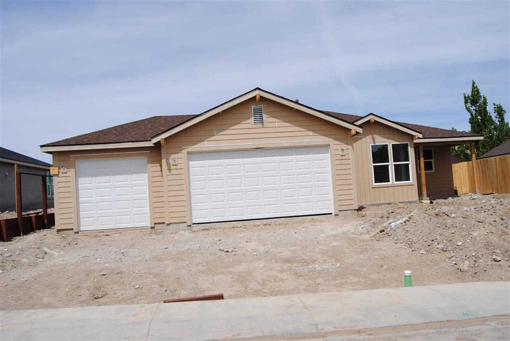822 Garnet Way, Fernley, NV 89408 is now new to the market!