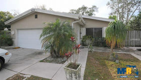 10572 Blossom Lake Drive, Seminole, FL 33772