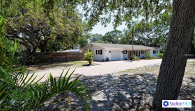 4795 Riverwood Circle, Sarasota, FL 34231