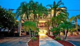 804 North Shore Drive, Anna Maria, FL 34216