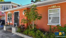 5223 Calle Menorca, Sarasota, FL 34242
