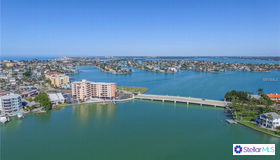 285 107th Avenue #705, Treasure Island, FL 33706
