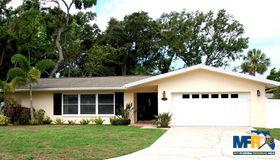 719 Oakridge Lane, Belleair Bluffs, FL 33770