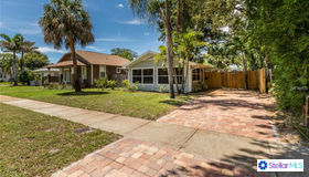 2545 4th Avenue N, St Petersburg, FL 33713