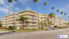 1200 N Shore Drive NE #313, St Petersburg, FL 33701