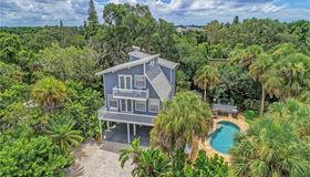 204 Garden Lane, Sarasota, FL 34242