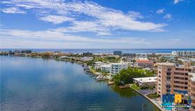 285 107th Avenue #203, Treasure Island, FL 33706