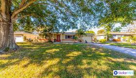 5132 Lake Charles Drive N, Kenneth City, FL 33709