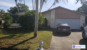 214 sw Pagoda Terrace, Port Saint Lucie, FL 34984