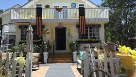 822 N Donnelly Street, Mount Dora, FL 32757