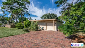 1579 Connecticut Avenue NE, St Petersburg, FL 33703