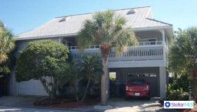 131 E Bay Drive, Treasure Island, FL 33706