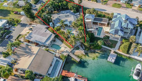 11465 4th Street E, Treasure Island, FL 33706