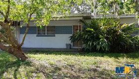 2101 E Lambright Street, Tampa, FL 33610