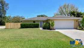 2027 Upton Avenue, Sarasota, FL 34232