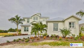 717 Pinckney Drive, Apollo Beach, FL 33572