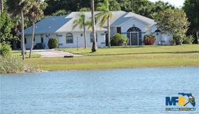 8090 Casa DE Meadows Drive, Englewood, FL 34224
