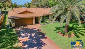 6004 Oakhurst Drive, Seminole, FL 33772