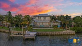 3864 Shore Acres Boulevard NE, St Petersburg, FL 33703