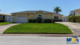 11160 6th Street E, Treasure Island, FL 33706