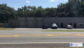 7828 County Road 48, Yalaha, FL 34797