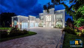 110 Harbor View Lane, Belleair Bluffs, FL 33770