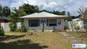 206 W Central Avenue, Howey IN The Hills, FL 34737