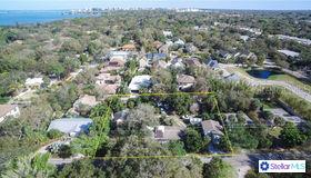 1521 Bay Road, Sarasota, FL 34239