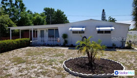841 65th Street S, St Petersburg, FL 33707