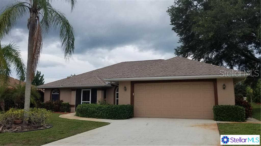 327 Woodvale Drive, Venice, FL 34293 now has a new price of $349,900!