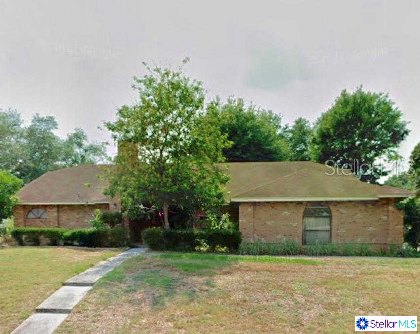 5409 Club Hill E, Lakeland, FL 33812 is now new to the market!