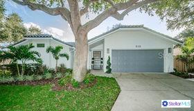 513 Moreno Circle NE, St Petersburg, FL 33703