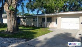 11574 Oval Drive E, Largo, FL 33774