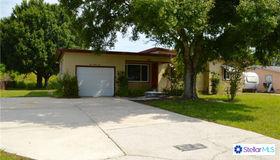 122 Lake Avenue Se, Largo, FL 33771