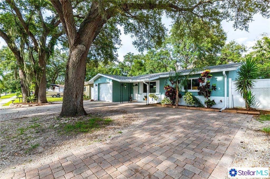 2219 Gladys Street, Largo, FL 33774 is now new to the market!