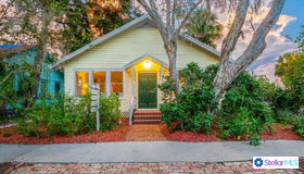 405 Julia Place, Sarasota, FL 34236