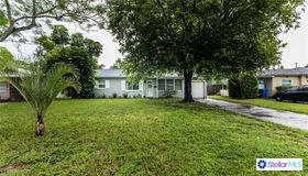 1725 Bradshaw Lane N, St Petersburg, FL 33710