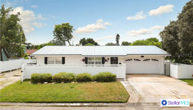 4726 Lansing Street NE, St Petersburg, FL 33703