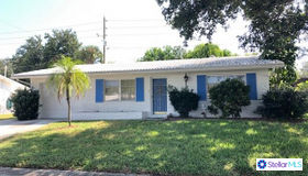 9213 140th Way, Seminole, FL 33776