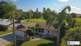 4371 Meadowland Circle, Sarasota, FL 34233