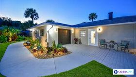 549 Venice Lane, Sarasota, FL 34242