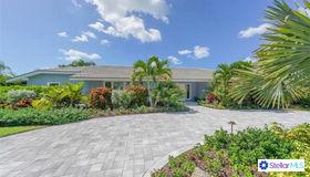 510 Blue Jay Place, Sarasota, FL 34236