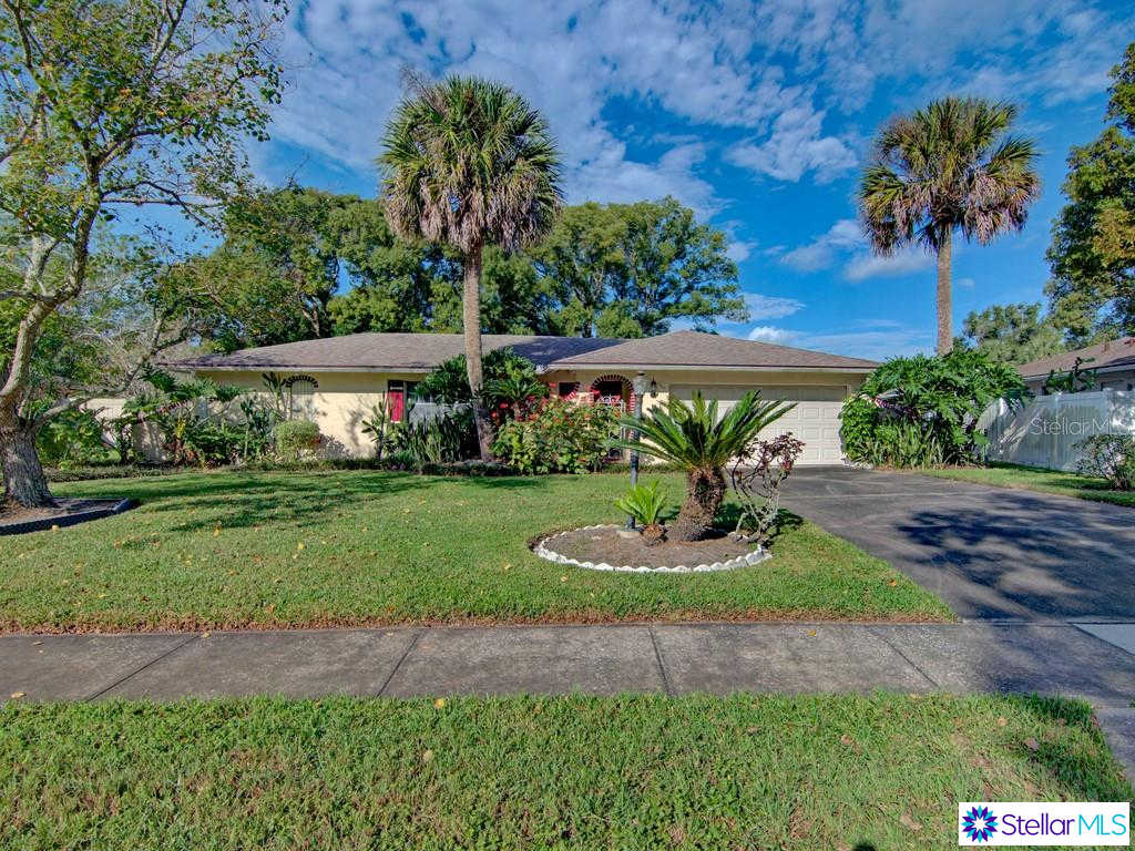 1911 Nottingham Drive, Winter Park, FL 32792 is now new to the market!