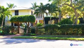 1562 South Drive, Sarasota, FL 34239