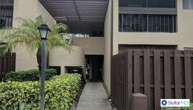 782 Village Lake Terrace N #202, St Petersburg, FL 33716