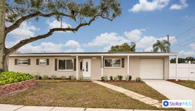 8900 58th Street N, Pinellas Park, FL 33782