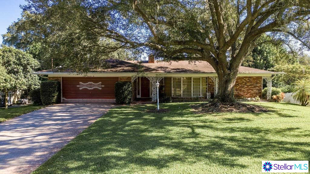 1002 N Citrus Avenue, Howey IN The Hills, FL 34737 now has a new price of $205,000!