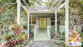2998 Oak Street, Sarasota, FL 34237