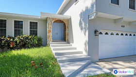 8320 144th Ln, Seminole, FL 33776