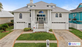 5945 Bayview Circle S, Gulfport, FL 33707